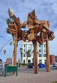 Woods From The Trees Sculpture by Regan Gentry in High Street. — Stock Photo