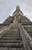Wat Arun Temple of Dawn Steps and Tower Detail — Stock Photo