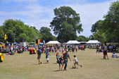 Lunchtime Crowd in Hagley Park at The World Buskers Festival, Ne — Stock Photo
