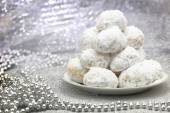 Traditional Christmas cookies with powdered sugar — Stock Photo