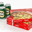 3D beer cans and pizza boxes isolated on white — Stok fotoğraf #62862561
