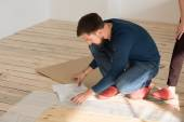 Man Putting Self Assembly Furniture — Stock Photo