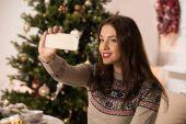 Woman taking selfie — Stock Photo