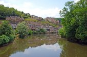 Charming village located on the river side in Rhone Alpes region — Stock Photo