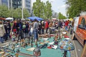 Flea market each first day of May in Brussels — Stock Photo