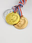 Gold-, silber- und bronze-medaillen — Stockfoto