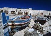 Wooden fishing boats at the old tuna fishing factory — Photo