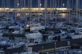 Yates de lujo en la marina — Foto de Stock