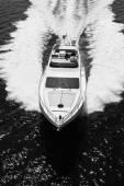 Роскошные яхты в море — Стоковое фото