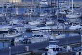 Lyxbåtar i hamnen — Stockfoto