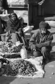 Street sellers at the Uttar Pradesh market — Stock Photo