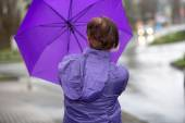 Problems with the umbrella in the rain — Stock Photo