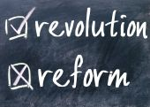 Reform or revolution choice — Stock Photo