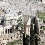 Jerusalem Tomb of Zechariah on mount of olives 2008 — Stock Photo #53732143