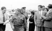 Yangiyer persons accompanying Fidel 1963 — Foto de Stock