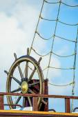 Wheel of an old sailing ship — Stock Photo