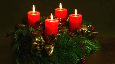 Advent wreath with burning candles — Stock Video