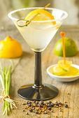 Cocktail with lemon slice — Stock Photo