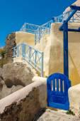 Little Greek house gate in Santorini — Stock Photo