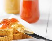 Toasts with peanut butter and strawberry jam — Stock Photo