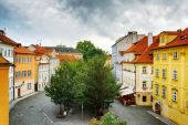 Colorful buildings at the Lesser Town (Little Quarter) in Prague — Stock Photo