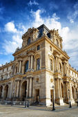 The facade of the Pavilion Mollien of the Louvre Museum in Paris — Foto Stock