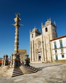 The Porto Cathedral is a popular tourist attraction of Portugal — Stock Photo