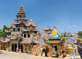 View of the Linh Phuoc Pagoda in the mosaic style from shards of — Stock Photo