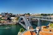 Beautiful view of the Dom Luis Bridge over the Douro River and t — Stock Photo