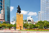 Tran Hung Dao statue in Ho Chi Minh city, Vietnam — Stock Photo
