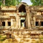 Mysterious Ta Kou Entrance in Angkor Wat. Siem Reap, Cambodia — Stock Photo #78097044