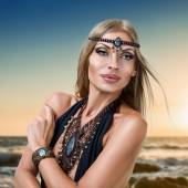 Young fashion woman with jewelry — Stock Photo