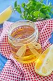 Honey with lemon — Stock Photo