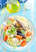 Pasta with asparagus — Stock Photo