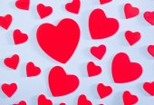 Red hearts from paper — Stock Photo