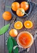 Tangerine jam in bank — Stockfoto