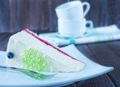 Fresh cheesecake with jam — Stock Photo