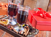 Mulled wine with spice — Stock Photo