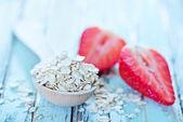 Raw oat flakes — Stock Photo