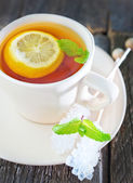 Fresh tea with mint and lemon — Stock Photo