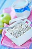 Oat flakes with apple — Stock Photo