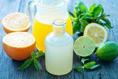 Fresh juice in glass dishware — Stock Photo