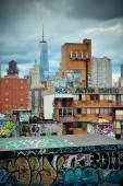 Graffiti and urban buildings — Stok fotoğraf
