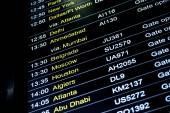 Avgångar flight information schema i internationella flygplats — Stockfoto