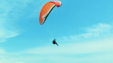 One Paraglider Soaring In the Sky — Stock Video