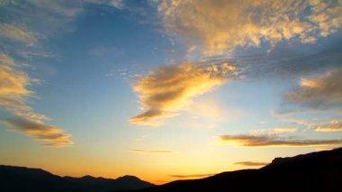 Cloudy Sky At Beautiful Sunset — Stock Video
