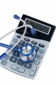 Stéthoscope et les calculatrice — Photo