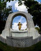 Austria, vienna, johann strauss monument — Stock Photo