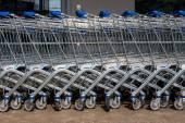 Shopping cart outside a supermarket — Stock Photo