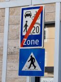 Traffic signs encounter zone — Fotografia Stock